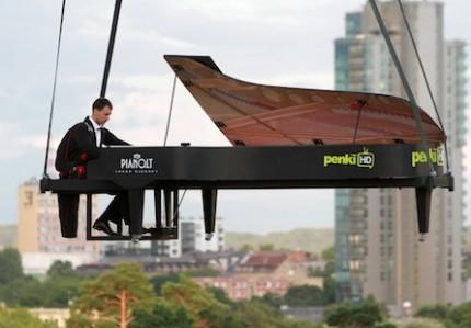 14/01-Pianoman